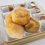 最高金賞受賞フルーツ梅ぼし桐箱和紙包み12粒